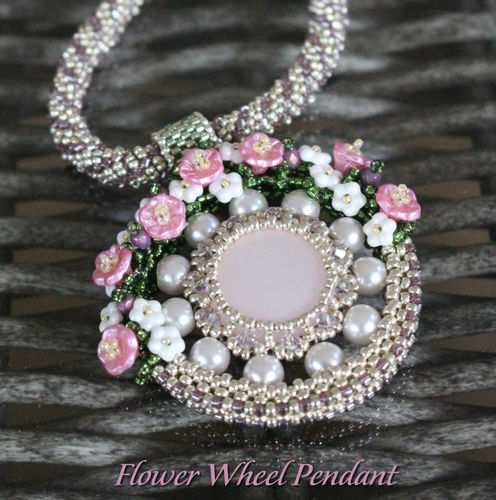 Beading pattern - 'Flower Wheel' pendant